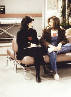 Monica and Rachel at the ER