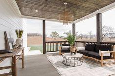 Impressive Outdoor Living Space Idea 22