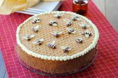 Chocolate Honey Layer Cake - Торт Beautiful. She even shows the secret to that perfect honeycomb design!