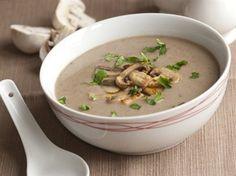 Türk mutfağında hatırı sayılır bir yere sahip olan çorbalar, hangi yöremiz olursa olsun severek tükettiğimiz besinlerdir. Peki, çorbaların lezzetinin yanı sıra vücudumuzda hangisinin neye iyi geldiğini biliyor musunuz?