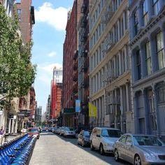 Soho Sundays #nofilter #manhattan #newyorkcity #newyork #architecture #nyc #living #city #shopping #apartment #soho #travel #sunday