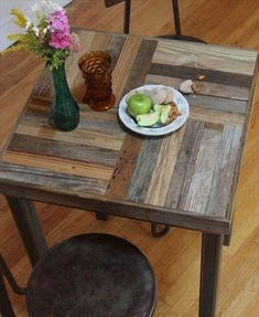 Pallet Table Plans Custom Made Reclaimed Pallet And Barn Wood Pub Bistro Kitchen Table - Crux Pallet Crafts, Diy Pallet Projects, Pallet Ideas, Wood Projects, Wooden Crafts, Diy Pallet Furniture, Furniture Projects, Wood Furniture, Furniture Design