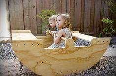 waldorf rocking boat No clue where I would put this... Tess would go crazy! A project for feva