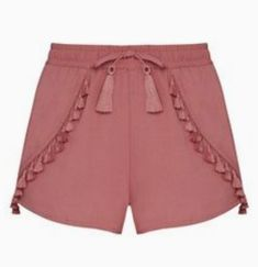 Tassel shorts Super cute shorts, perfect for a summer day. Cute Shorts, Casual Shorts, Short Jumpsuit, Western Outfits, Lolita Fashion, Chiffon Dress, Patterned Shorts, Lounge Wear, Summer Outfits