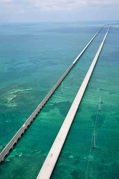 Seven Mile Bridge to Key West, Florida. I've been to Key West, but not by going on this bridge. I want to drive this bridge! Oh The Places You'll Go, Great Places, Places To Travel, Places Ive Been, Beautiful Places, Places To Visit, Amazing Places, Dream Vacations, Vacation Spots