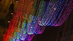 L'arcobaleno illumina il Natale 2013 di Roma