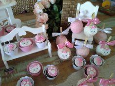 By Naná Negrão: cupcakes e maçãs GATA MARIE by Naná Negrão Cake Pops, Cat Cafe, Cat Party, My Baby Girl, 1st Birthday Parties, Hello Kitty, Baby Shower, Cupcakes, Kitten Birthday Parties