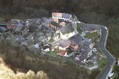 A Village In Italy That gets Sunlight From A Giant Mirr - Album on Imgur