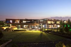 Tsi Mooikloof House by Nico van der Meulen Architects