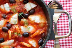 Torskegryte med paprika og sorte oliven
