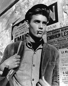 Young French worker photographed by Raymond Voinquel in 1946