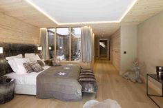 Plusdesign Studio presented a design chalets Residences de Rougemont that is located in Swiss ski resort of Rougemont. The modern residences are divided Chalet Style, Guest Bedrooms, Home Organization, Home Improvement, House Design, Contemporary, Interior Design, Luxury, Architecture