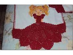 Resultado de imagem para croche vestido boneca pano de prato Disney Characters, Fictional Characters, Aurora Sleeping Beauty, Christmas Ornaments, Disney Princess, Holiday Decor, Crochet Projects, Crochet Dolls, Dish Towels