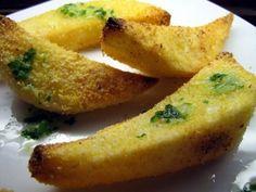 Hozzávalók   0,5 kg burgonya 200 g CI V ITA kukoricaliszt só CI V ITA kukoricaolaj             Elkészítés   Hámozzuk meg a burgonyákat, vágjuk hosszába négybe vagy nyolcba, sózzuk meg és forgassuk meg kukoricalisztben. Helyezzük a burgonyákat egy kis olajjal kikent tepsibe és süssük a forró sütőben, amíg... Vegan Recipes, Vegan Food, Curry, Meat, Chicken, Cooking, Ethnic Recipes, Chef Recipes, Kitchen