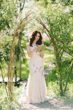 Into the woods – Wedding Journal Magazine editorial | Paula O'Hara Photography