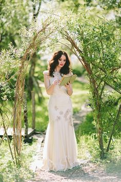 Into the woods – Wedding Journal Magazine editorial | Paula O'Hara Photography