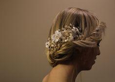 Handmade floral wedding accessories Wedding Hair Pins, Handmade Jewellery, Handmade Wedding, Hair Pieces, Wedding Accessories, Floral Wedding, Wedding Hairstyles, Crown, Jewelry