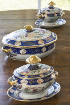 A Chinese export porcelain famille-rose and blue enamel oval vegetable dish and cover and a pair of sauce tureens, covers and stands<br>circa 1820 Vintage High Tea, Vintage China, Blue And White China, Blue China, Porcelain Ceramics, China Porcelain, Royal Doulton, Delft, Chinese Ceramics