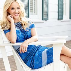 Reese Witherspoon- love her confidence & look! Always smiling!