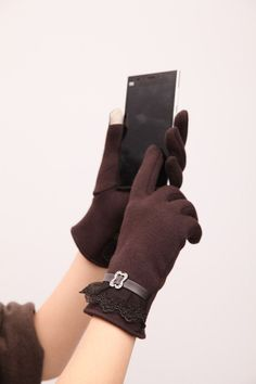 Touch Screen Gloves Ladies Womens Winter Warm Mittens Use Device While Keeping Hands Cosyan Gifts For Girls Lace Gloves, Leather Gloves, Gants Vintage, Fashion Models, Light Red Color, Justine, Moda Vintage, Polar Fleece, Hand Warmers