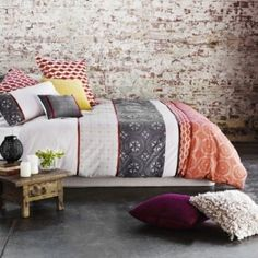 Wonderful 48 Refined Boho Chic Bedroom Designs : 48 Refined Boho Chic Bedroom Designs With Stone Wall Black White Red Bed Pillow Blanket Cushions Candle Nightstand Ceramic Floor
