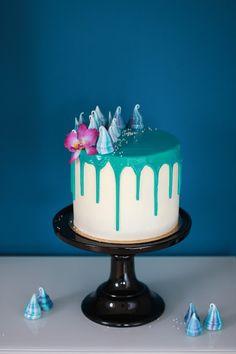 Feines Handwerk Beeren Torte mit Buttercreme Verzierung *Knuspersommer 2016* Drip cake, cake Art