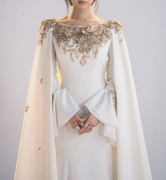Image about fashion in Henl by H. on We Heart It Elegant Dresses, Pretty Dresses, Beautiful Dresses, Couture Dresses, Bridal Dresses, Fashion Dresses, Prom Dresses With Sleeves, Wedding Dress Sleeves, Fantasy Gowns