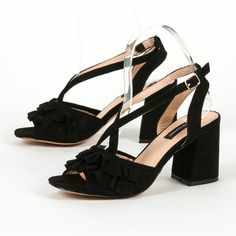 ed037d96bb3 16 Best Μαύρα τακούνια images   High shoes, Heel, High heels