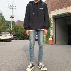 Korean Casual Outfits, Retro Outfits, Jung So Min, Mode Man, Korean Fashion Men, Mens Clothing Styles, Custom Clothes, Aesthetic Clothes, Menswear