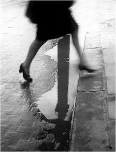 Pluie place Vendôme, Paris – 1947 - Crédit Photo: © Willy Ronis