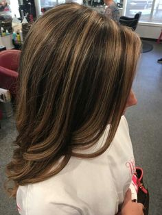 Brunette Balayage Hair Discover Human Hair Flip-in(HALO) extension Hand-made Brown & Blonde Mix Auburn Balayage, Balayage Hair, Brown Balayage, Haircolor, Medium Hair Styles, Short Hair Styles, Hair Color Highlights, Chunky Highlights, Brown Carmel Highlights