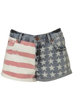 Shop for Petite Flag Print Denim Shorts by Topshop at ShopStyle. Love Fashion, Spring Fashion, Fashion Outfits, Womens Fashion, Teen Fashion, Hot Shorts, Denim Shorts, Hot Pants, Hot Short Jeans