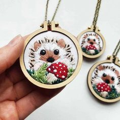 Mini Wood Cross Stitch Hoop Embroidery Circle Frame for DIY Pendant Making Wooden Embroidery Hoops, Hand Embroidery Patterns, Diy Embroidery, Cross Stitch Embroidery, Cross Stitch Hoop, Diy Broderie, Diy Holz, Embroidery Techniques, Quilting Designs