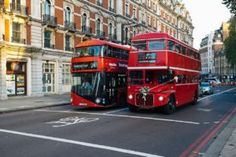 Doubts before traveling to London? here I will tell you 17 things to know before visiting London. If this is your first time in London you will be benefited. Like How much money can be spent in London? London Bus, London Street, Uk Capital, Cool Coasters, Destinations, Double Decker Bus, Victoria, Things To Do In London, Tower Of London