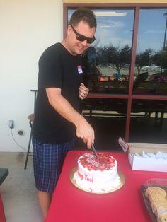 Garth cutting his cake! #AmericanHatMakers