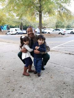 Recently, while Deputy Hood was working at Freedom Park (Charlotte, North Carolina), a mother asked him if he would take a photo with her twins. How To Take Photos, Teaching Kids, North Carolina, Twins, Freedom, Charlotte, Take That, Park, Couple Photos