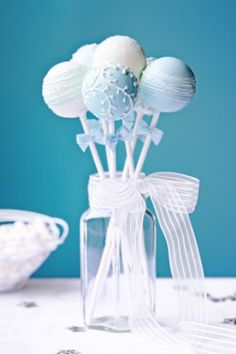 Wedding cake pops by RuthBlack. Wedding cake pops decorated in blue and white Idee Baby Shower, Baby Shower Cake Pops, Baby Boy Shower, Baby Showers, Wedding Cake Pops, Wedding Favors, Wedding Cakes, Wedding Donuts, Wedding Ideas