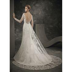 Robe mariée 162-18 DIVINA SPOSA 2016 Disponible en magasin Rezzo mariage 26 avenue notre dame 06300 Nice 04 93 62 24 73