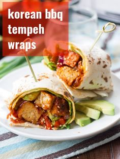 Spicy saucy pan-fried Korean barbecue tempeh is stuffed into warm tortillas with creamy avocado slices and crispy greens to make these flavorful vegan wraps. Perfect for lunch easy enough for a weeknight dinner and totally delicious! Easy Vegan Lunch, Vegan Lunch Recipes, Vegan Lunches, Delicious Vegan Recipes, Healthy Dinner Recipes, Vegan Meals, Veg Recipes, Vegan Foods, Tasty