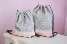 wunderschöne Mutter/Tochter Kombi mit Ankern.  Außen Jersey Anker und innen Baumwolle. Der untere Teil besteht aus Kunstleder in zart rosa. Die Kordel ist länger und kann bei bedarf mit einem...