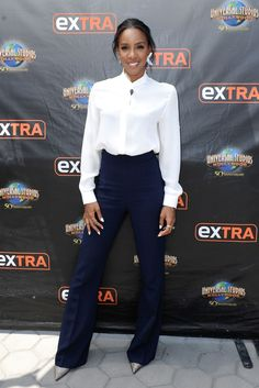 Simply stunning: Kelly Rowland proved style does not have to be about making a big look-at-me statement as she walked on to the Extra stage in Los Angeles, California, on Tuesday afternoon Universal Studios, Mode Style, Style Me, Style Blog, Kelly Rowland Style, Work Attire, Work Outfits, Office Outfits, Office Wear