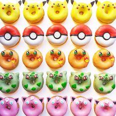 Kawaii Food - Vickie Liu et ses donuts Pokemon Pokemon Torte, Pokemon Cupcakes, Pikachu Cake, Pokemon Themed Party, Pokemon Birthday Cake, 6th Birthday Parties, 7th Birthday, Cute Baking, Cute Donuts