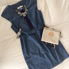 HPNEW VineyardVines Chambray Embroidered Dress HOST PICKNWOT - Never Worn - Chambray makes summer more fun, and we make the soft, timeless fabric even more enjoyable with embroidered details on this women's shirt dress. You get to decide whether to wear as a shirt or dress—we get to tell you you'll look fantastic! Vineyard Vines Dresses