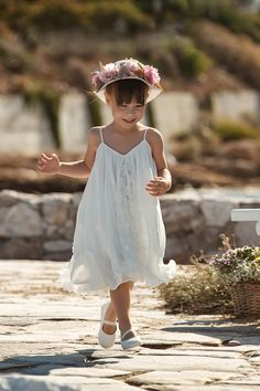 Explore the new Spring / Summer baptism collection for boys and girls Baptism Clothes, Baptism Outfit, Baptism Gown, Christening, Baby Suit, Baby Accessories, Boy Or Girl, Lace Dress, Flower Girl Dresses