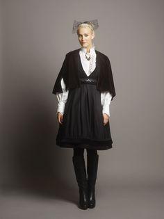 eva_lie2_141855retl Witch Fashion, Folk Fashion, Folk Costume, Costumes, Norwegian Fashion, Fairytale Fashion, Artistic Photography, Vintage Dresses, My Style