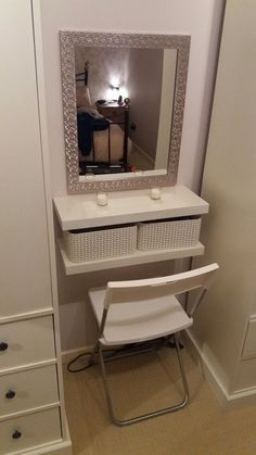 2 floating shelves, boxes, seat and mirror. – Do it yourself decoration – diy bathroom decor Diy Dressing Tables, Small Bathroom Storage, Shelves, Trendy Bathroom, Floating Shelves, Diy Storage, Bathroom Closet, Vanity Shelves, Diy Vanity