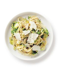 Creamy Brussels Sprouts Spaghetti  Very good Toss garlic first then brussel sprouts Put everything in pasta Then add 10% cream, lots of pepper and salt Top with parmesan
