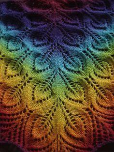 Ravelry: Gail (aka Nightsongs) pattern by Jane Araújo-free pattern Knit Or Crochet, Lace Knitting, Crochet Shawl, Knitting Stitches, Knitting Patterns Free, Free Pattern, Crochet Patterns, Diy Couture, Shawl Patterns