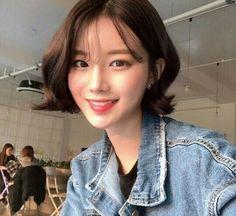 Girl Short Hair, Short Hair Cuts, Medium Hair Styles, Short Hair Styles, Korean Short Hair, Cut My Hair, Ulzzang Girl, Bun Hairstyles, Hair Inspiration