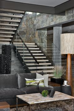 Modern stairs  by Reid Smith Architects
